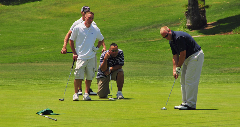 three person golf betting games on the course
